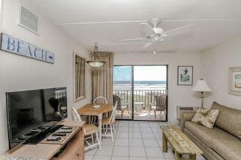 Beacher's Lodge - St Augustine, FL 32080 - Guestroom