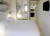 Superior Room, 1 Queen Bed, Non Smoking, Sea View