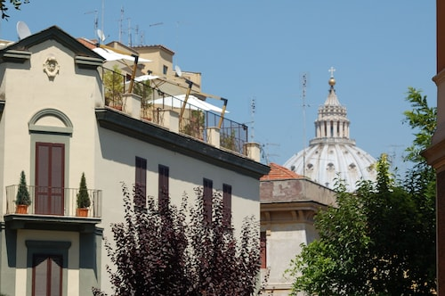 Vatican Suites Hotel & Residence