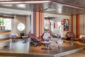 hotel inter hotel le relais d 39 aubagne aubagne desde 55 rumbo. Black Bedroom Furniture Sets. Home Design Ideas