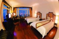 Deluxe Room, River View (Executive Floor)
