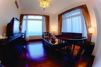 Junior Suite, 1 Double Bed, River View