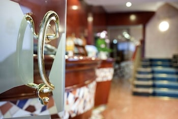 Hotel Gaudí thumb-4
