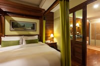 Presidential Suite, Round Trip Airport Transfer