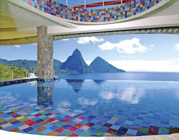 Jade Mountain Resort