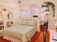 Romantic garden room