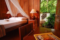 Bungalow Deluxe Beachfront, Free Round-trip Boat Transfer