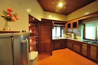 3 Bedroom Baanmai Thai Villa, Free Round-trip Boat Transfer