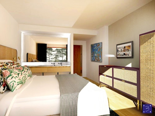 哈納薩日飯店