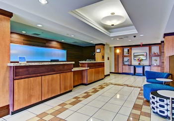 Fairfield Inn & Suites by Marriott State College