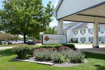 Northfield Inn, Suites & Conference Center - Springfield, IL 62702 - Exterior