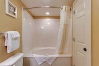 Standard Suite, 1 King Bed, Oceanfront