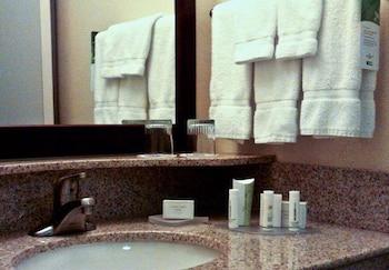 SpringHill Suites by Marriott Lancaster - Lancaster, CA 93534 - Guestroom