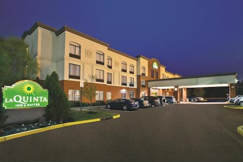 費城勞雷爾山拉金塔旅館及套房
