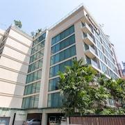 曼谷素坤逸 24 號奧克伍德公寓