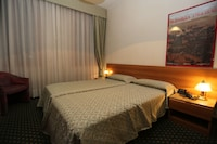 Economy Double Room, 2 Single Beds