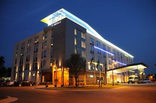 查爾斯頓機場雅樂軒飯店及會議中心