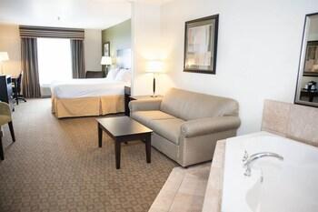 GreenTree Inn & Suites Florence - Florence, AZ 85132 - Guestroom