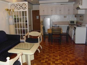 The Perla Hotel Makati Living Area