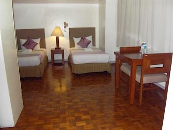 The Perla Hotel Makati Guestroom