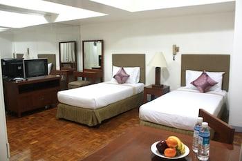 The Perla Hotel Makati Featured Image