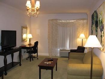 La Quinta Inn & Suites Loveland - Loveland, CO 80538 - Guestroom