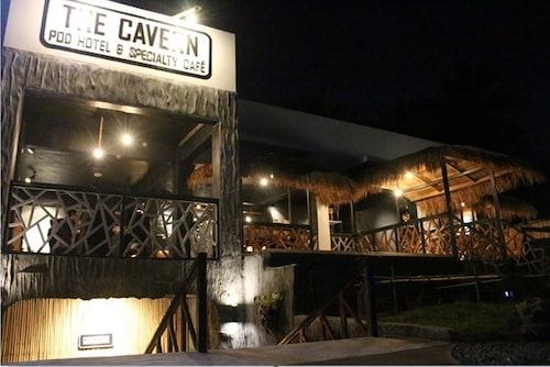 卡門帕德飯店與特色咖啡廳 - 青年旅舍