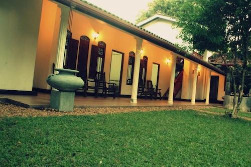 阿拉貢別墅飯店