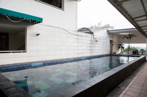 西波哥巴瓦 2 號瑞德多茲普拉斯飯店