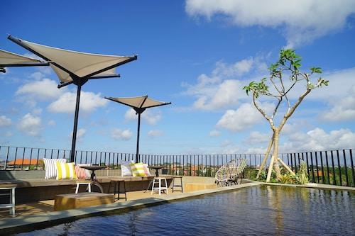 峇里島波羅膠囊青年旅舍
