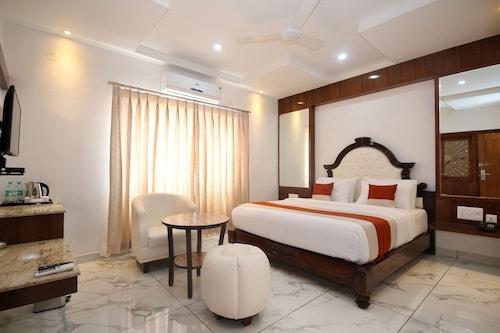 洛克薩加爾 OYO 8320 號飯店