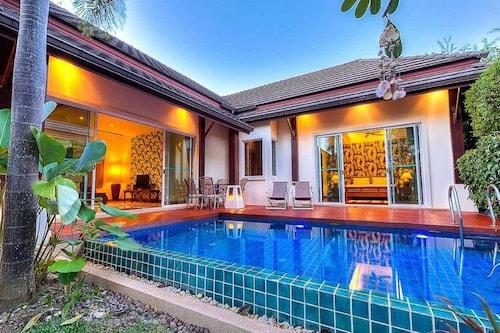 托瑪琳泳池別墅飯店