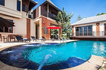 貝佛利泰式屋游泳池別墅飯店