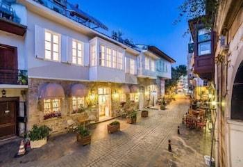 拉文套房飯店
