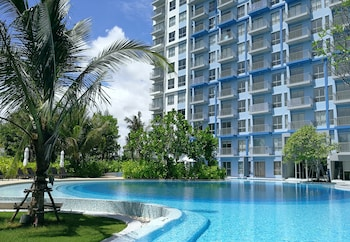 藍色游泳池飯店