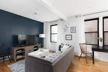 Stunning 1BR in Theater District by Sonder