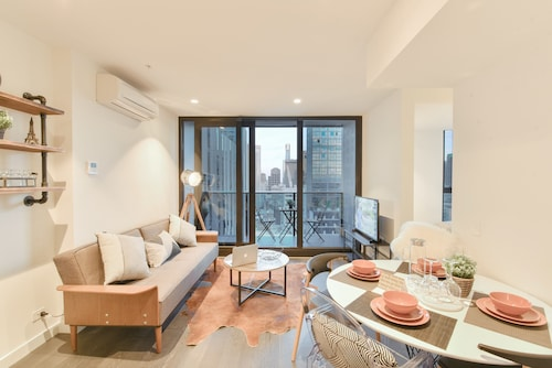 SoHome EQ Tower Service Apartments