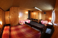 Family Room, 1 Double or 2 Twin Beds