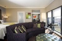 Ellis Square Suite