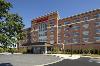 Sheraton Chicago Northbrook Hotel 17 6 Miles From Rush University Medical Center