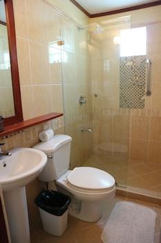 Boracay Beach Club Bathroom