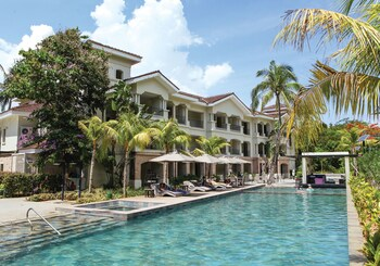 Fairways and Bluewater Resort Boracay Outdoor Pool