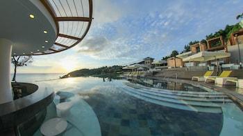 Fairways and Bluewater Resort Boracay Poolside Bar