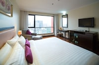 Deluxe Room, 1 Double or 2 Single Beds - Room Only NRF
