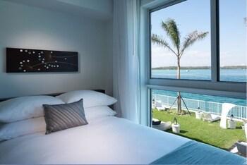 Bal Harbour Quarzo - Bal Harbour, FL 33154 - Guestroom