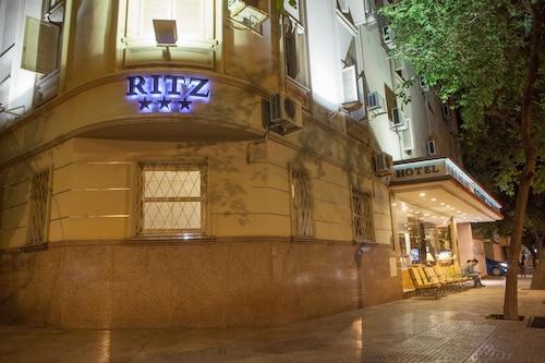 門多薩麗茲飯店