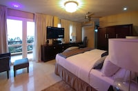 Presidential Suite, 3 Bedrooms, Non Smoking