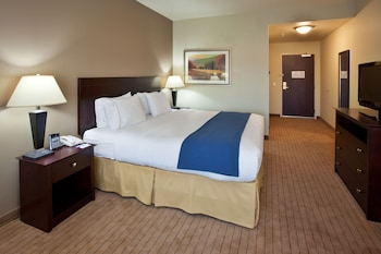 Holiday Inn Express & Suites Napa American Canyon - American Canyon, CA 94503 - Guestroom