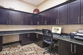 La Quinta Inn & Suites Fort Worth Lake Worth