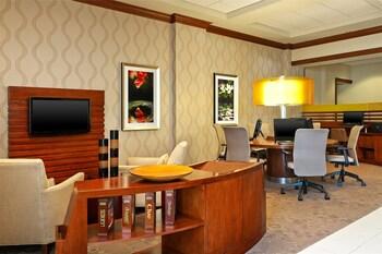 Sheraton Augusta Hotel - Augusta, GA 30907 - Business Center